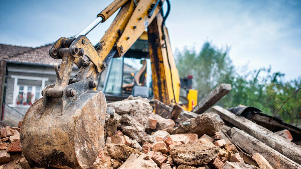 Къртене и извозване на строителни материали в Пловдив